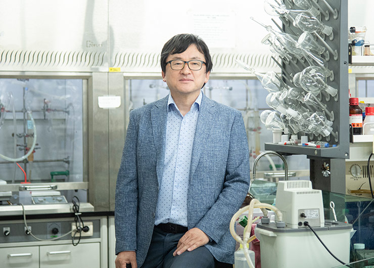 Research Team Led by Prof. Kim Jinheung Publishes Findings in Journal of the American Chemical Society