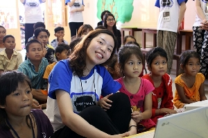 2014 Ewha Volunteers Share Love with People from Cambodia