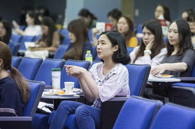 9.26 2016-2017 Harvard College in Asia Program 설명회LF9A1366.jpg